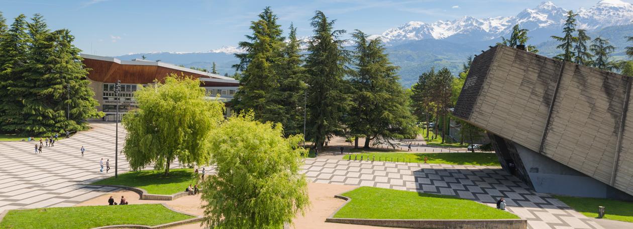 UGA - La Place centrale & l'Amphi Weil du domaine universitaire